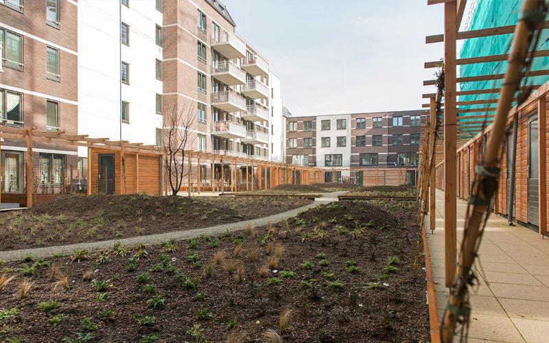 Een van de binnentuinen van Zijdebalen. / Foto Hurks en Van Wijnen